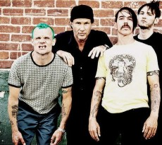 red hot chili peppers-729-620x349