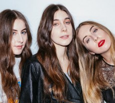 haim-xfm-session-2014-3-1394732514-view-0
